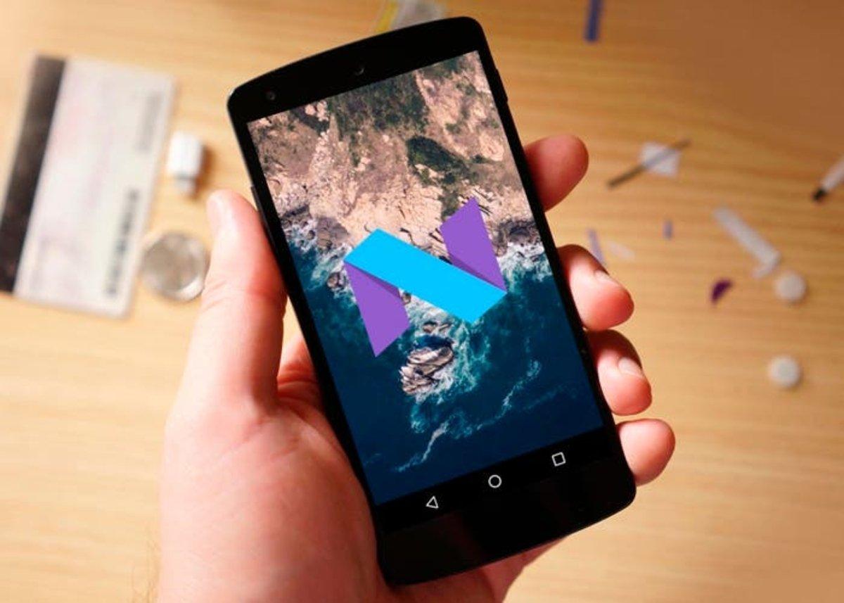 cyanogenmod-14-1-ya-disponible-700x500
