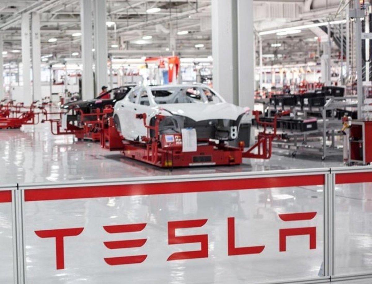 Tesla podría estar detrás de la escasez actual de baterías de los coches eléctricos