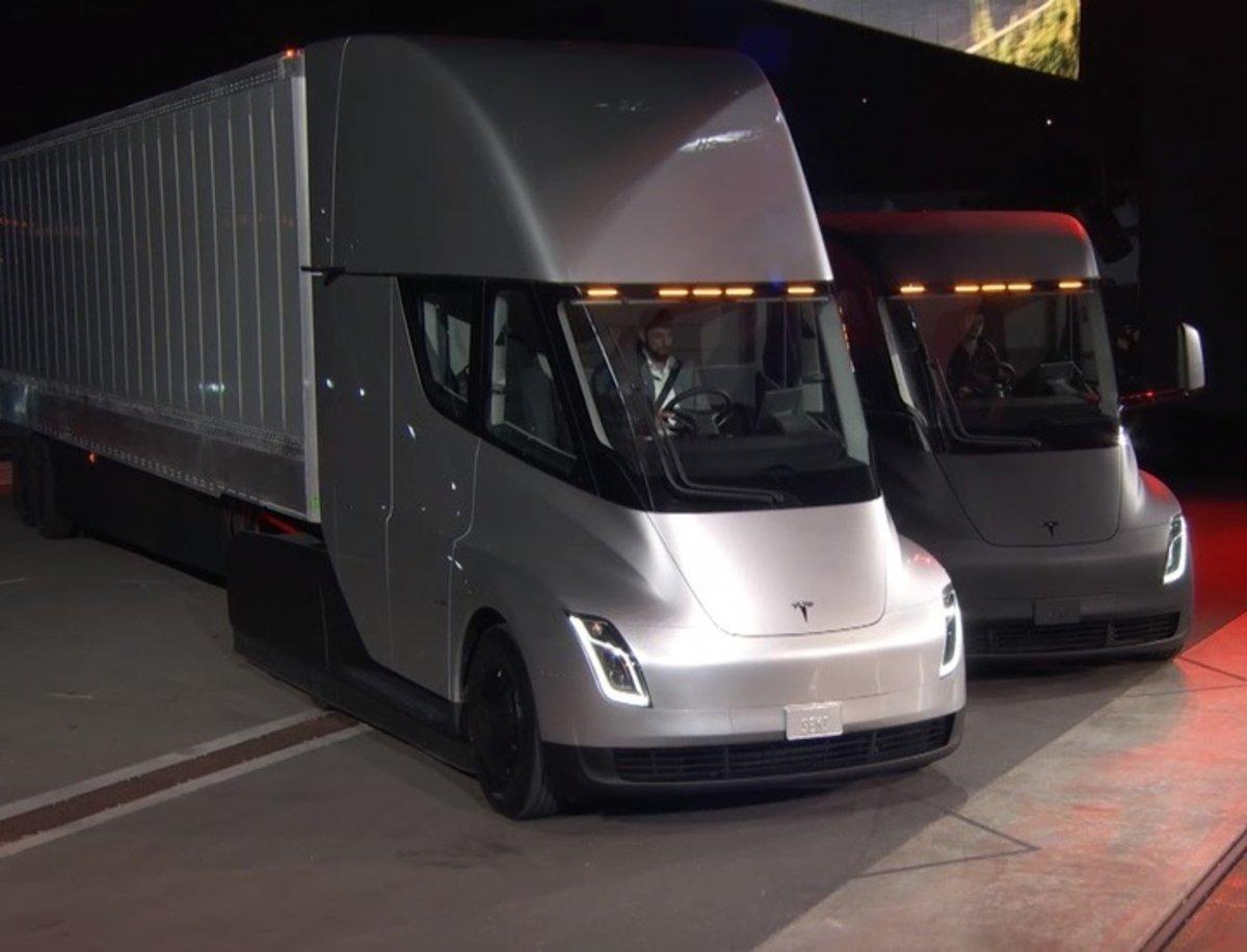 Megacharger, así funciona el puesto de carga del futuro Tesla Semi