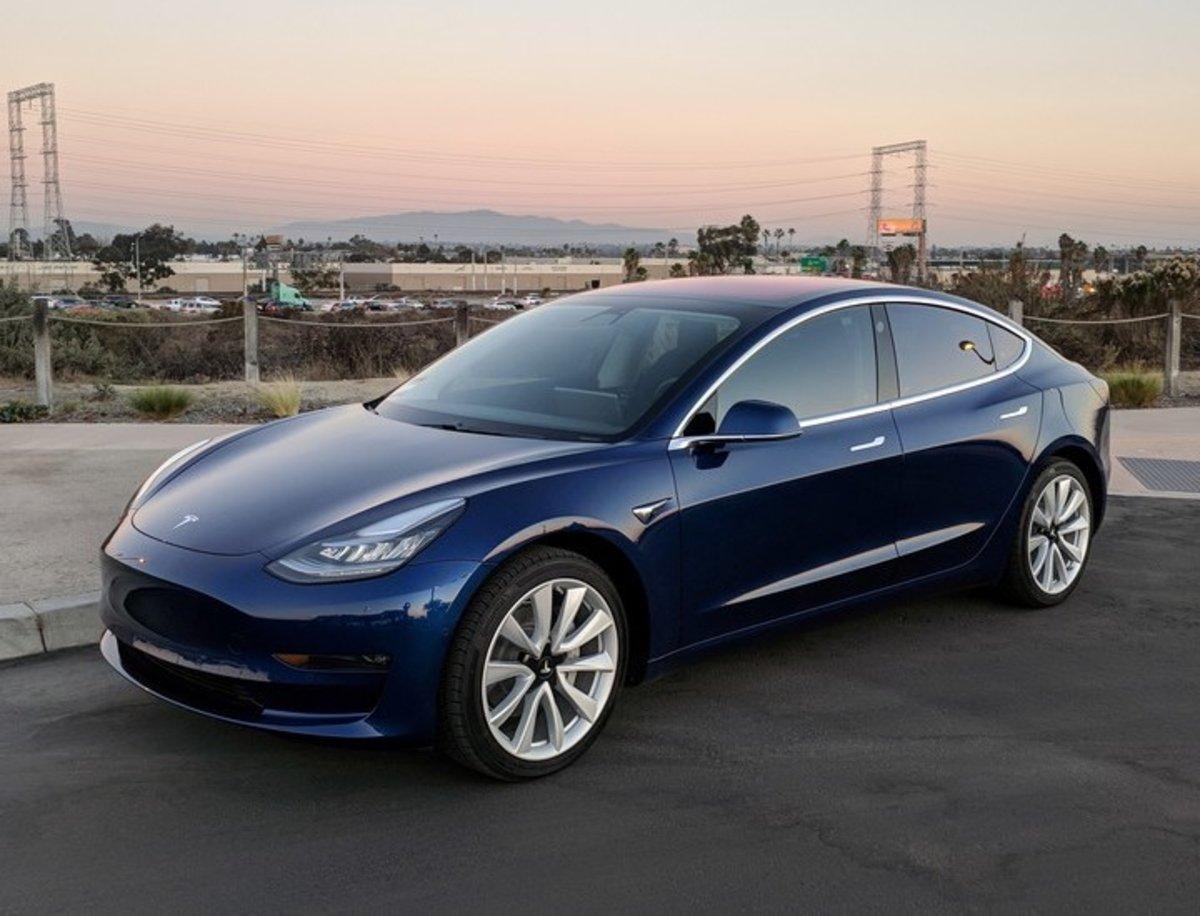 Hasta el 40% de las piezas del Model 3 serían defectuosas, según la CNBC