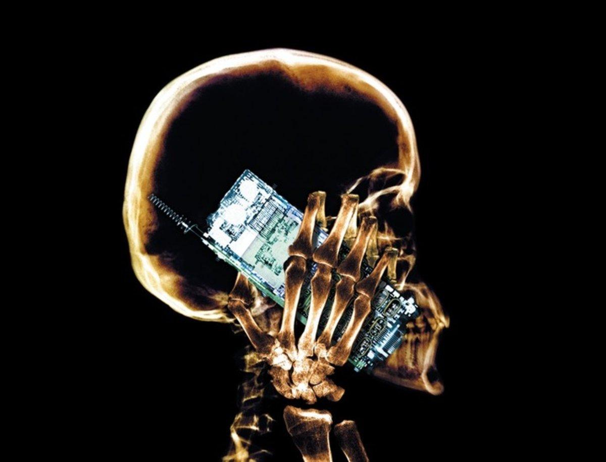 Así perjudica el móvil a tu cerebro