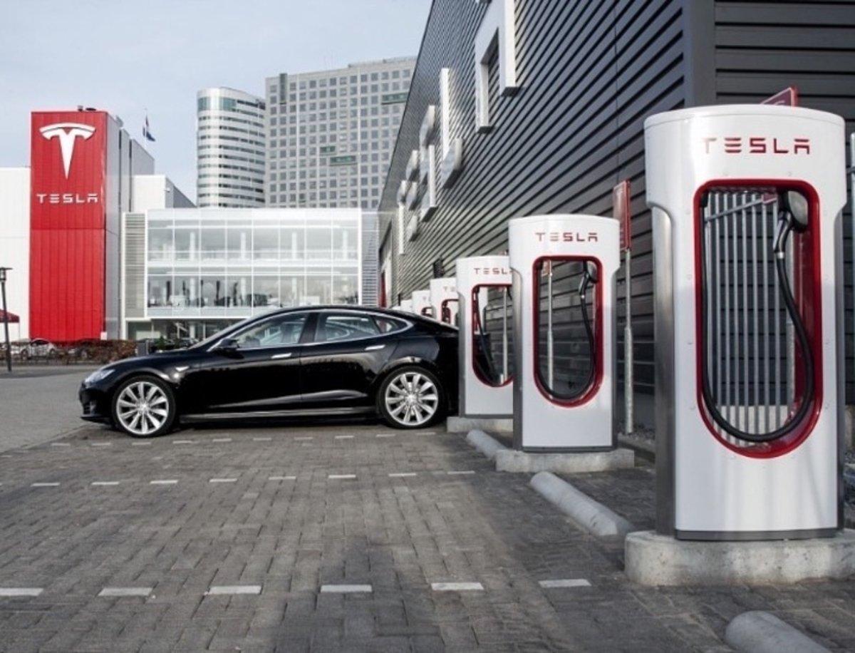 Los Supercharger de Tesla tendrán su versión V3 para finales de año
