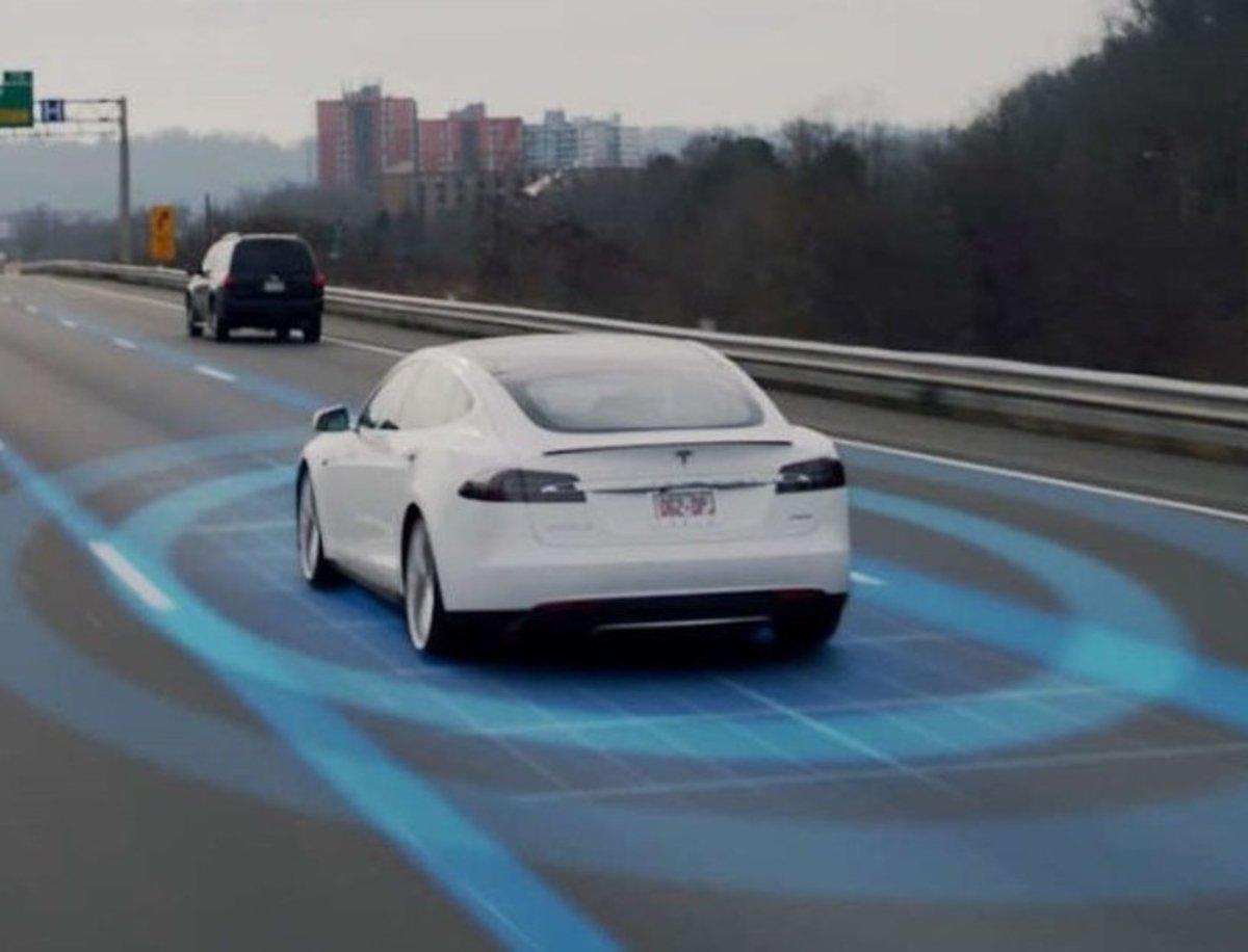 Tesla acusa a la startup Xpeng de robar el código fuente del Autopilot