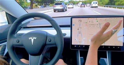 Pólizas de seguro, la nueva línea de Tesla que pretende explotar gracias al Autopilot