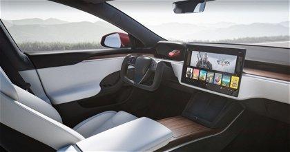 Volante 'yugo' de Tesla, así es conducir con esta tecnología exclusiva de la versión Plaid