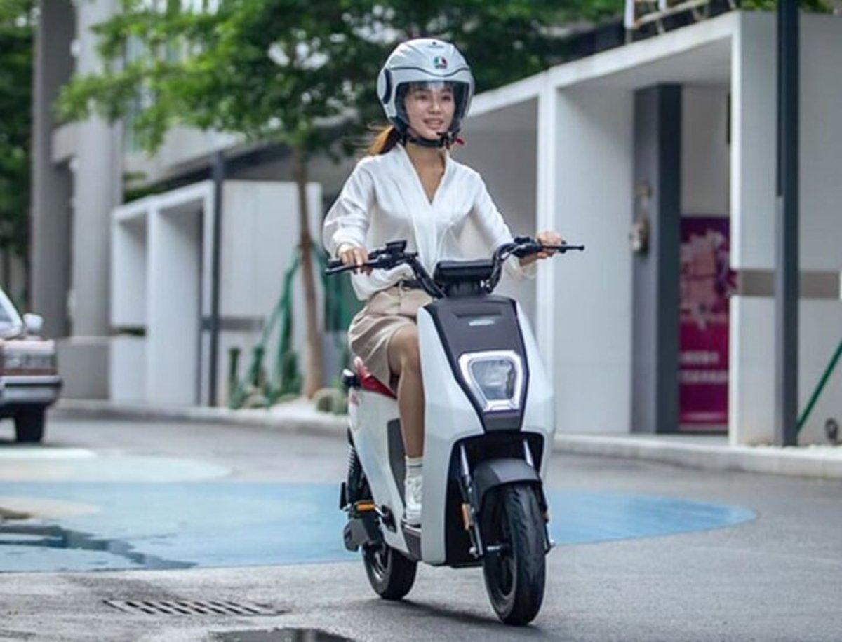 Honda U-BE, un scooter eléctrico de pequeño tamaño creado para disfrutar de la ciudad
