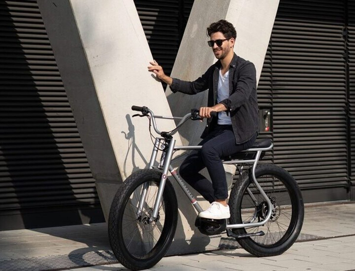 Ruff Cycles crea una bicicleta eléctrica extraña que destaca por su curioso diseño
