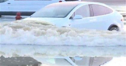 Tesla e inundaciones, una marca pensada para salvar a personas en ciertas situaciones