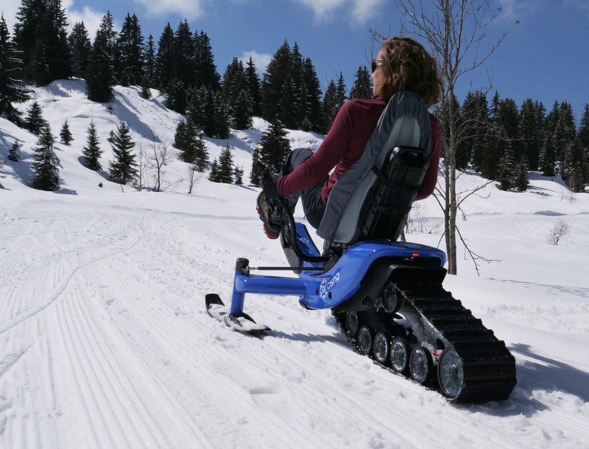 Arosno E-trace, el curioso triciclo con orugas para moverse fácilmente por la nieve
