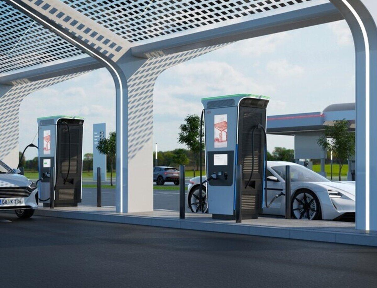 Terra 360 ABB, un cargador para coches eléctricos que carga 100 kilómetros en 3 minutos