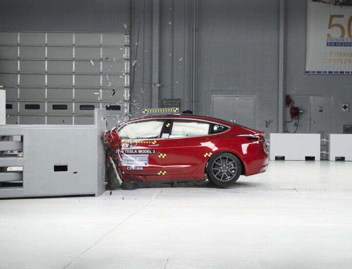 Por qué Tesla está produciendo los coches más seguros del mundo